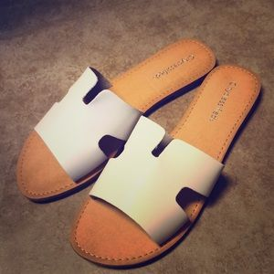 City classified white sandals size 11 new